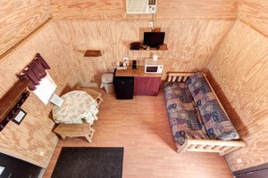 Hillbilly Deluxe Cabins Photo 5